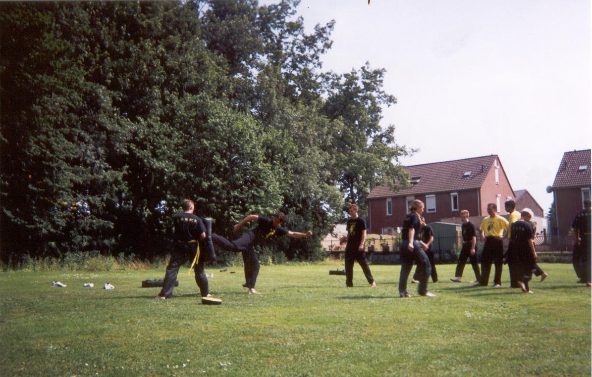 Kungfu_trainingskamp_2003_09.jpg